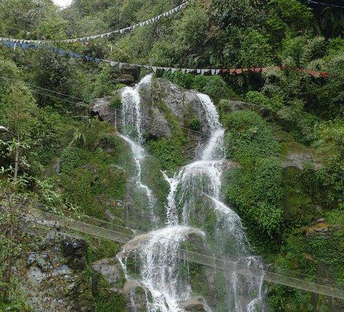 Bakthang Waterfalls: Bakthang Waterfall