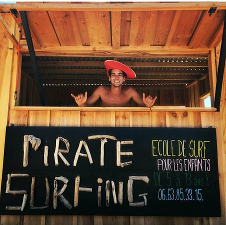 Pirate surfing