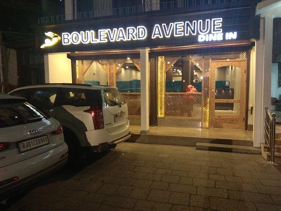 Boulevard Avenue照片