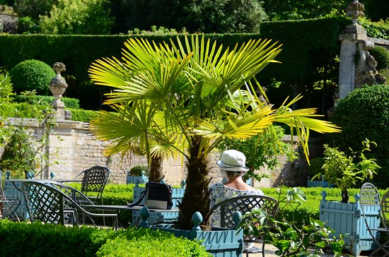 Saint-Gabriel-Brecy, Francia: A great place for garden lovers and photographers