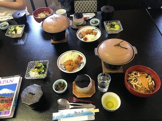 Mt Fuji, Hakone, Lake Ashi Cruise and Bullet Train Day Trip from Tokyo: Lunch