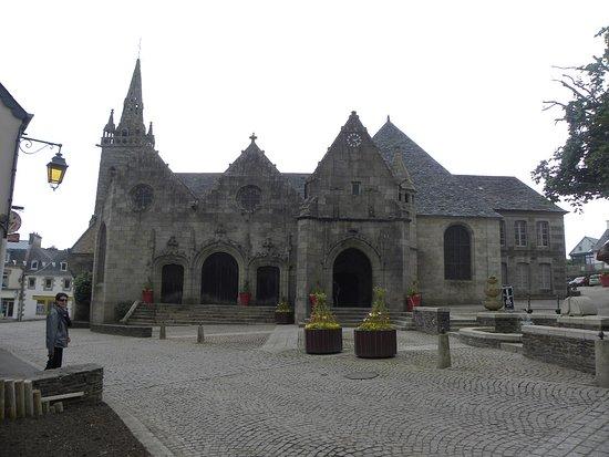 Saint-Michel-en-Greve, France: belle