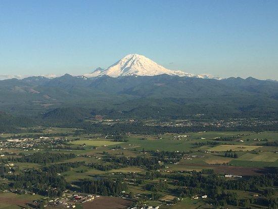 Seattle Ballooning: Mt. rainier