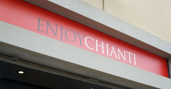 Greve in Chianti, Italia: EnjoyChianti