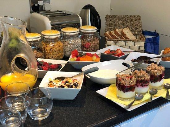 Fairways of St Andrews: Breakfast spread-- Also made to order traditional Scottish breakfast