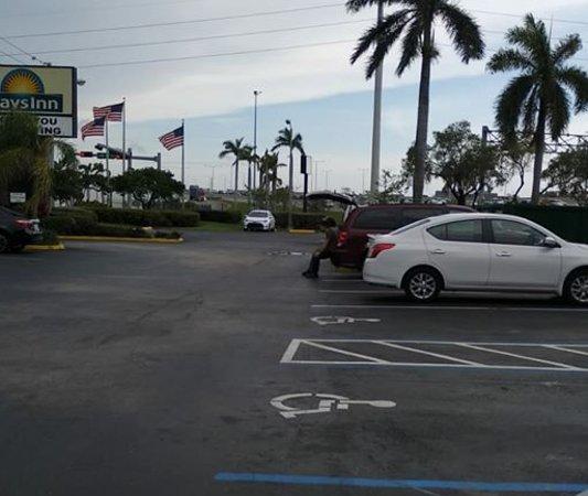 Miami, OK: Enter yapacaz .