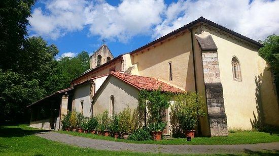Iglesia de Santa Maria de Llas