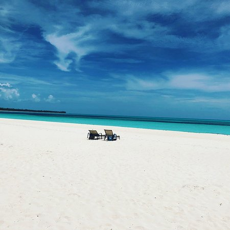Shannas Cove Resort: People aren't even cropped out - there truly were no others out on the beach!