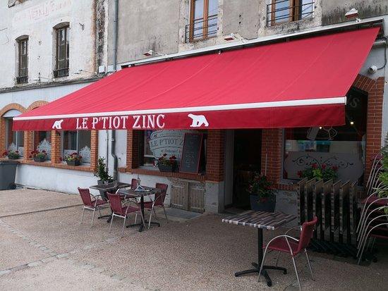 Saulieu, France: Le P'tiot Zinc