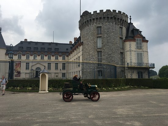 Adventure Tours France: Rambouilet castle during an antique car show