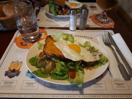 Le Grand-Quevilly, Frankrike: Salade du chef (petite version) ! Très bonne.