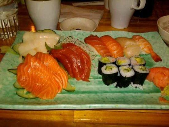 Lincolnwood, IL: sushi