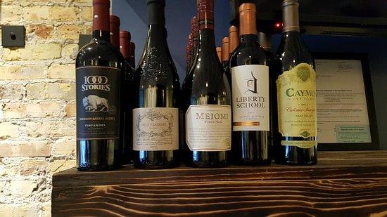 เดลาแวน, วิสคอนซิน: Our favorite red wines.