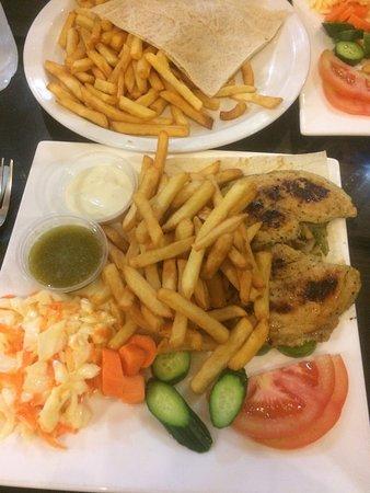 Coffee Shop Ayola: Lemon Chicken Entree