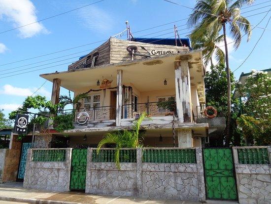 Nueva Gerona, Cuba: La estupenda entrada
