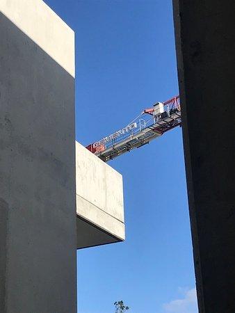 Cemento Crane