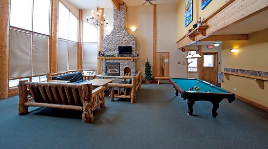 Grizzly Lodge - games room