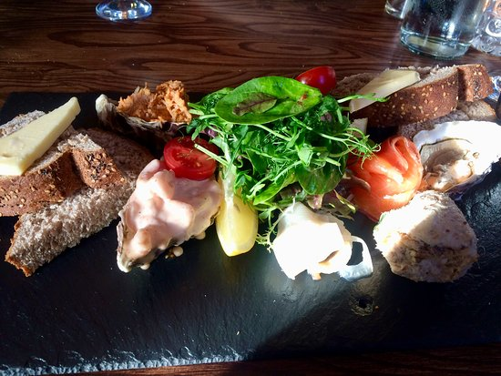 The Plough: The cold seafood plate.