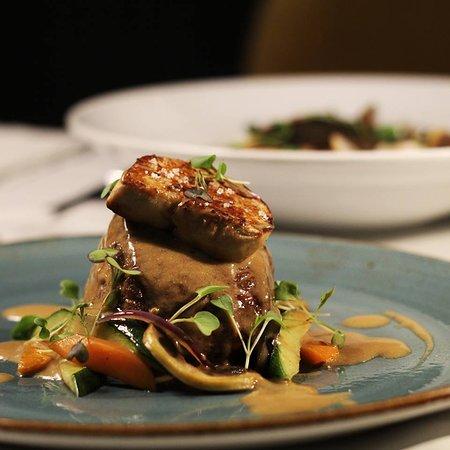 Bife com foi gras
