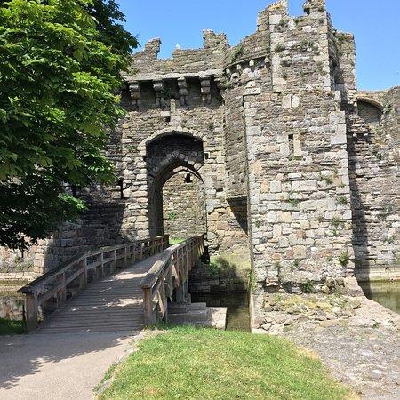 Beaumaris Castle: photo0.jpg
