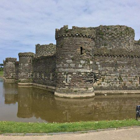 Beaumaris Castle: photo1.jpg