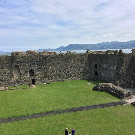 Beaumaris Castle: photo2.jpg