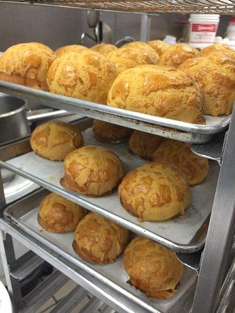Rowland Heights, CA: Fresh baked Pineapple Crispy Buns.