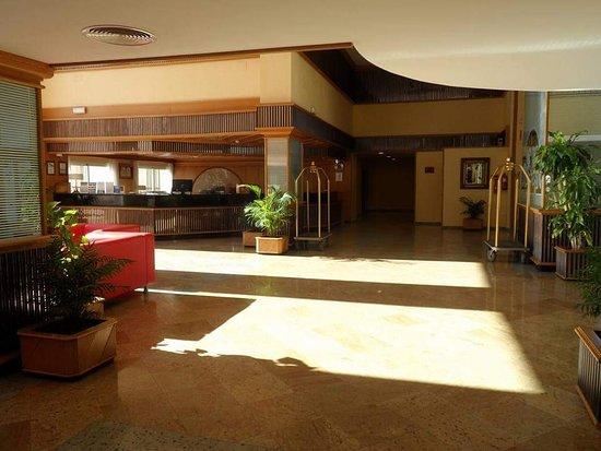 Hotel Mac Puerto Marina Benalmadena Photo