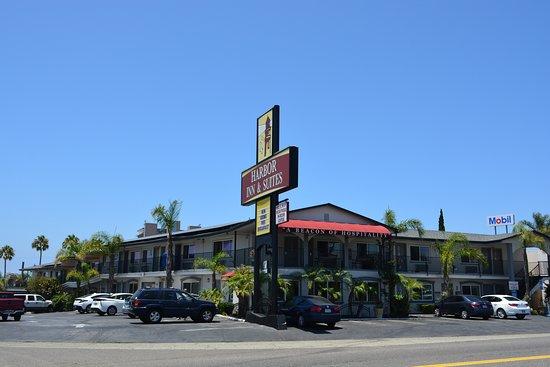 Harbor Inn & Suites Oceanside / San Diego: Hotel Exterior