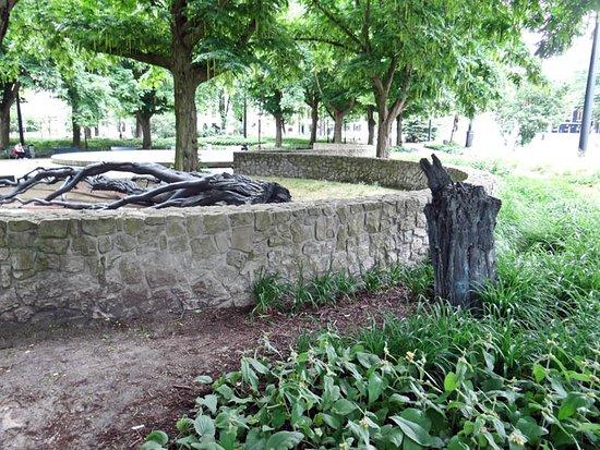 Walraven van Hall Monument