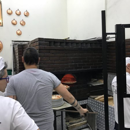 L'Antica Pizzeria da Michele: photo3.jpg