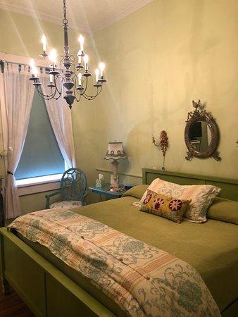 Como, MS: My room!