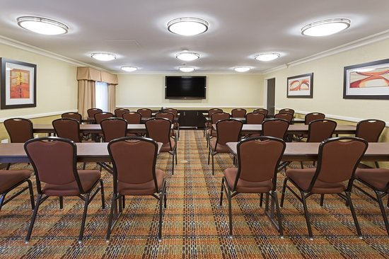 Holiday Inn Express and Suites Fort Lauderdale Executive Airport: Meeting room