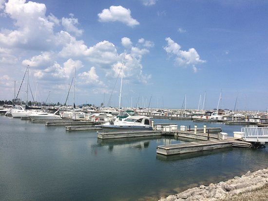 Winthrop Harbor, IL: North Point Marina
