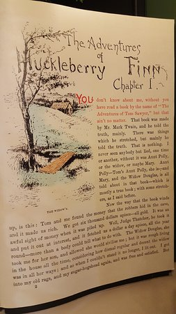 Mark Twain Boyhood Home and Museum: Giant page out of the Huckleberry Finn book