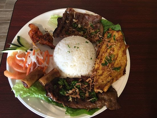 Evans, CO: Combination Rice plate with Grilled beef, pork, chicken and egg roll