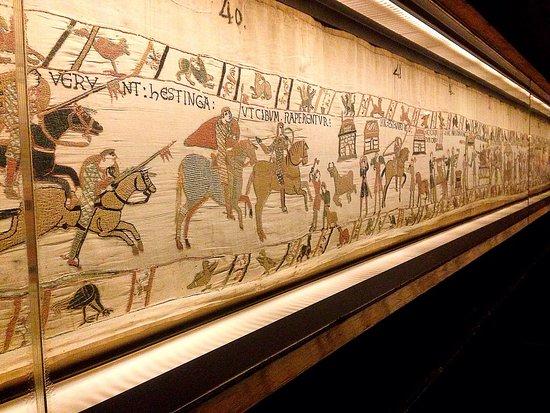 D tail de la tapisserie picture of musee de la tapisserie de bayeux bayeux tripadvisor - Qu est ce que la tapisserie de bayeux ...