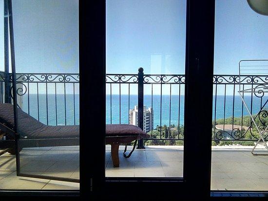 Yalta Municipality: P80602-103306_large.jpg
