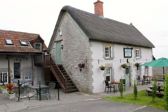 The Kingsdon Inn: outside of the pub