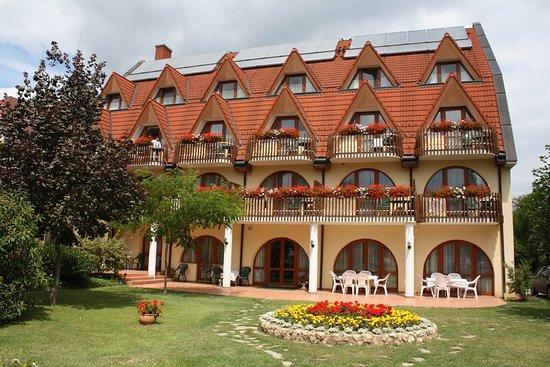 Agnes Hotel