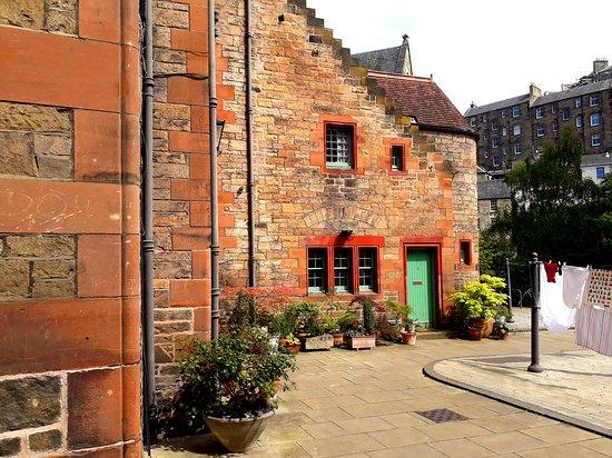Dean Village: a courtyard