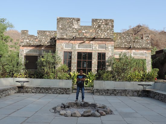 Ghanerao Royal Castle: Ghanerao Jungle Lodge.........Amazing it is.