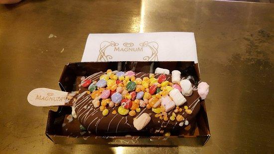 Magnum Pleasure Store ภาพถ่าย