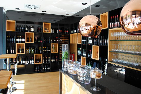Vinoteka - Wine Bar Solum