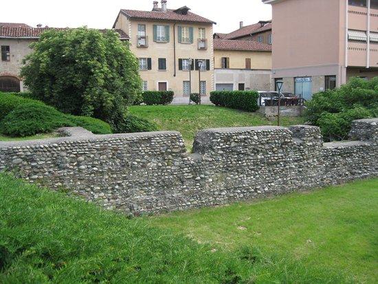 Novara, Italien: Tratto di mura in via Solaroli