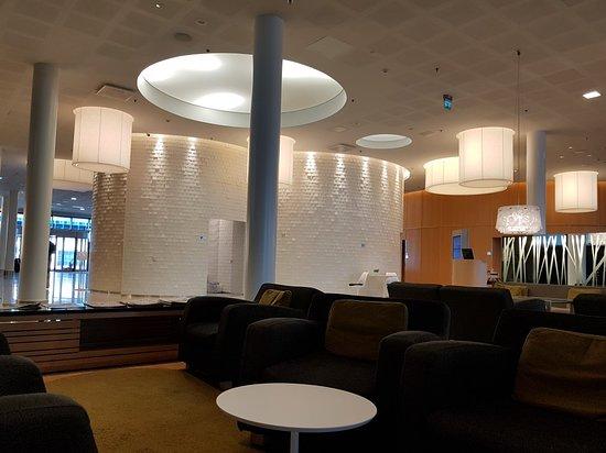 Hilton Helsinki Airport-bild