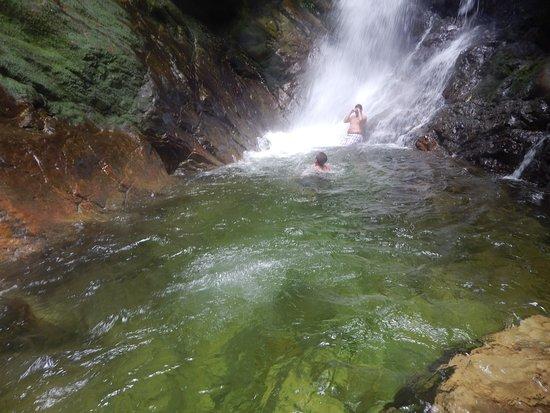 Cubarral, Colombia: En la cascada la esmeralda