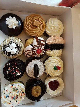 Grosse Pointe Woods, MI: Assorted Cupcakes