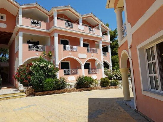 Sarakina Apartments: 20180612_141711_large.jpg