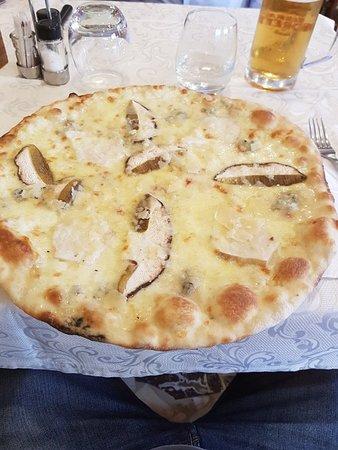 Ceriana, Italië: 20180613_195544_large.jpg